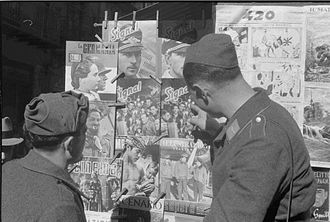 Signal (magazine) - Wehrmacht troops viewing issues of Signal at a newspaper stand in Palermo, Sicily, 1941