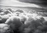 ETH-BIB-In 6000 m Höhe über dem Nebelmeer, das sich gegen den indischen Ozean ausbreitet-Kilimanjaroflug 1929-30-LBS MH02-07-0106.tif