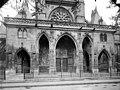 Eglise Saint-Germain-l'Auxerrois - Porche de la façade ouest - Paris 01 - Médiathèque de l'architecture et du patrimoine - APMH00017278.jpg