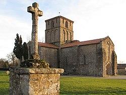 Eglise du Vieux Pouzauges.jpg