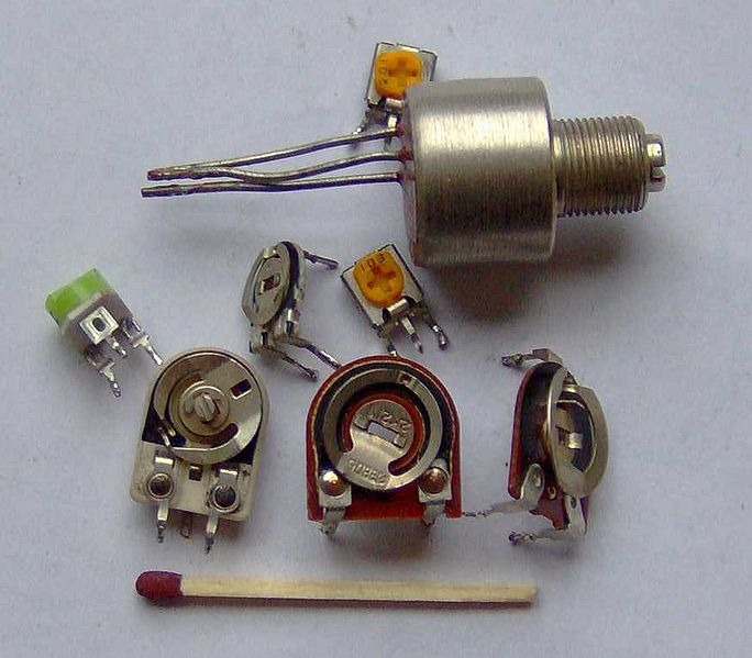 Файл:Electronic component potentiometers.jpg
