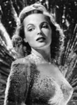 Elyse Knox - Knox in 1943