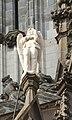 Engel met mobieltje op de Sint Janskathedraal - panoramio.jpg
