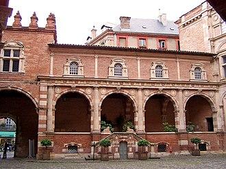 Hôtel d'Assézat - Entrance of the Hôtel seen from the courtyard.