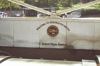 L'Enfant Plaza station - Sign at the street-level entrance to the Metro station in August 2007