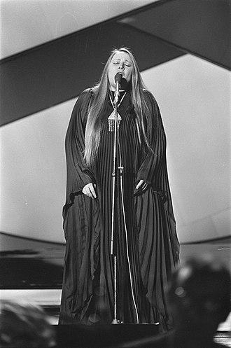 Greece in the Eurovision Song Contest - Image: Eurovisie Songfestival 76 Den Haag Mariza Koch (Griekenland), Bestanddeelnr 928 5025