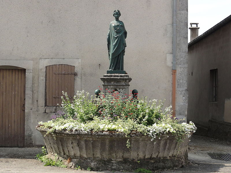 Euville (Meuse) fontaine d'une muse, Rue Jeanne d'Arc