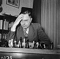Euwe aan het schaakbord, Bestanddeelnr 902-5903.jpg
