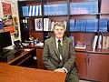 Evandro Agazzi en su oficina en la Universidad Panamericana.jpg