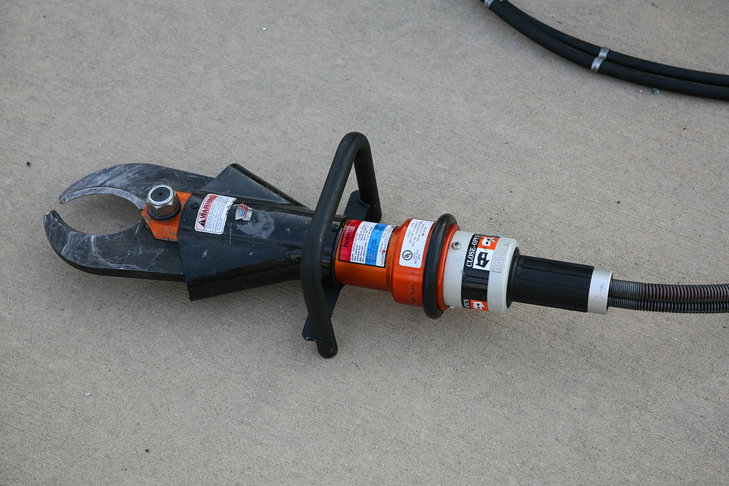 1024px-Extrication_cutter_1.jpg