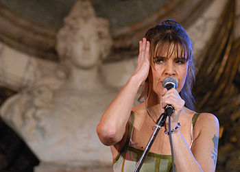 Fabiana Cantilo - Argentina - En Casa Rosada - 16DIC05 -presidenciagovar