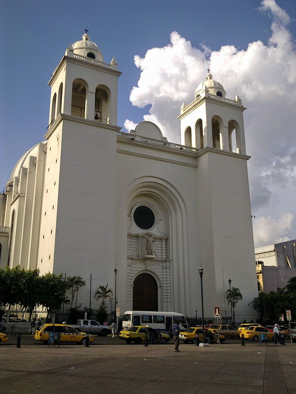 Fachada de Catedral Metropolitana de San Salvador