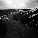Fairweather Glacier, valley glacier and hanging glaciers, September 16, 1966 (GLACIERS 5449).jpg