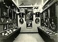 Familiene Meincke og von Krohg - Fra utstillingslokalene ved Trondhjems 900-årsjubileum (1897) (2837591026).jpg
