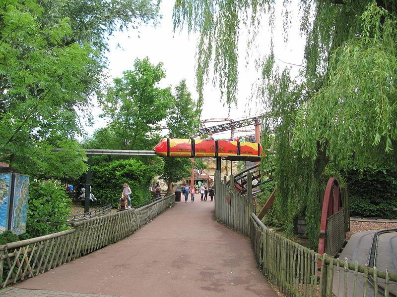 Bestand:Familiepark Drievliet (2012) foto 09 - monorail.jpg