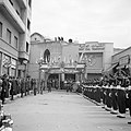 Fanfarekorps en erewacht bij een ontvangst bij de Pauselijke Nuntius in Beiroet, Bestanddeelnr 255-6278.jpg