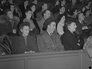 Ice Capades - Crowd came to the show of the Ice Capades at Montreal Forum, 1944.