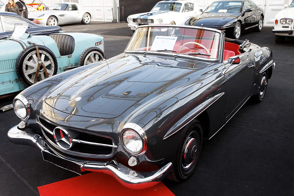 File festival automobile international 2011 vente aux for Mercedes benz us international