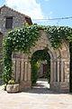 Fiscal (Huesca) Arco romanico 5096.JPG
