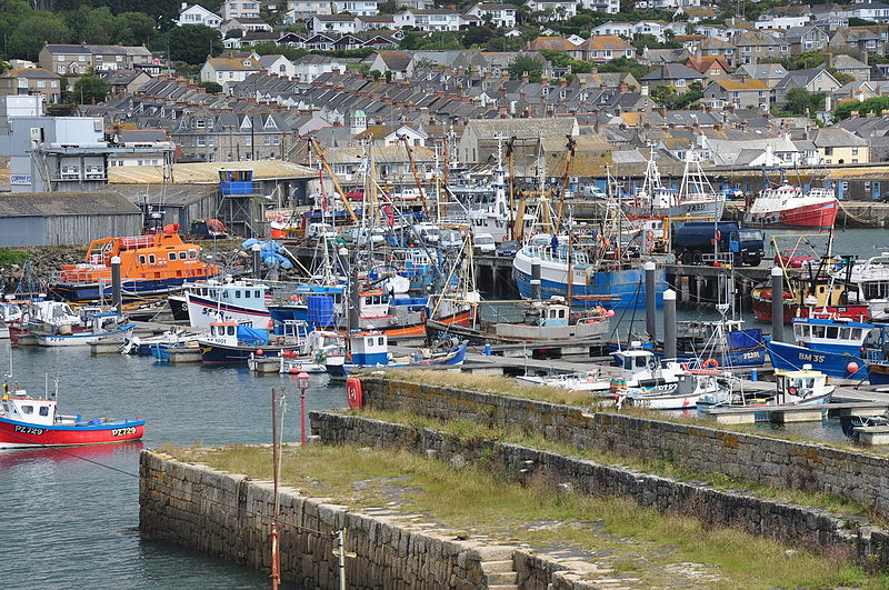 File:Fishing boats and lifeboat in Newlyn harbour (7339).jpg