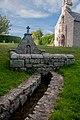 Fontaine de la Chapelle Saint Matthieu.jpg