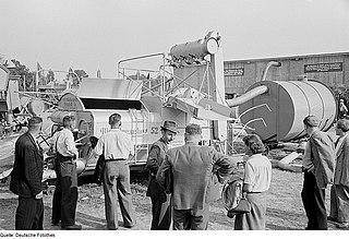 Fortschritt E 162 Tractor-drawn combine harvester