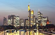 Frankfurt am Main 2011 Skyline origres.jpg