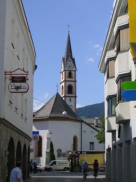 File:Franziskanerkirche Lienz.jpg