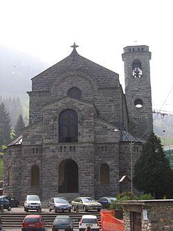 Gandellino parrocchia SMartino 01.jpg