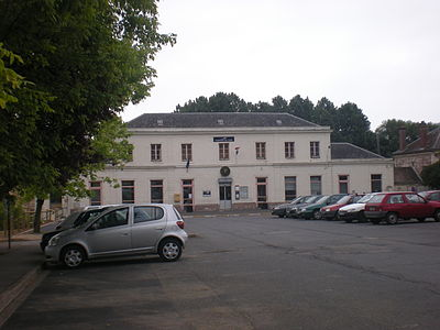 Clermont-de-l'Oise station