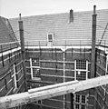 Gedeelte gevel en kap aan de binnenplaats - Delft - 20049171 - RCE.jpg