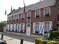 Gemeentehuis Moerzeke - België.jpg