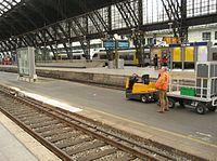 Gepäckbahnsteig Köln Hauptbahnhof.jpg
