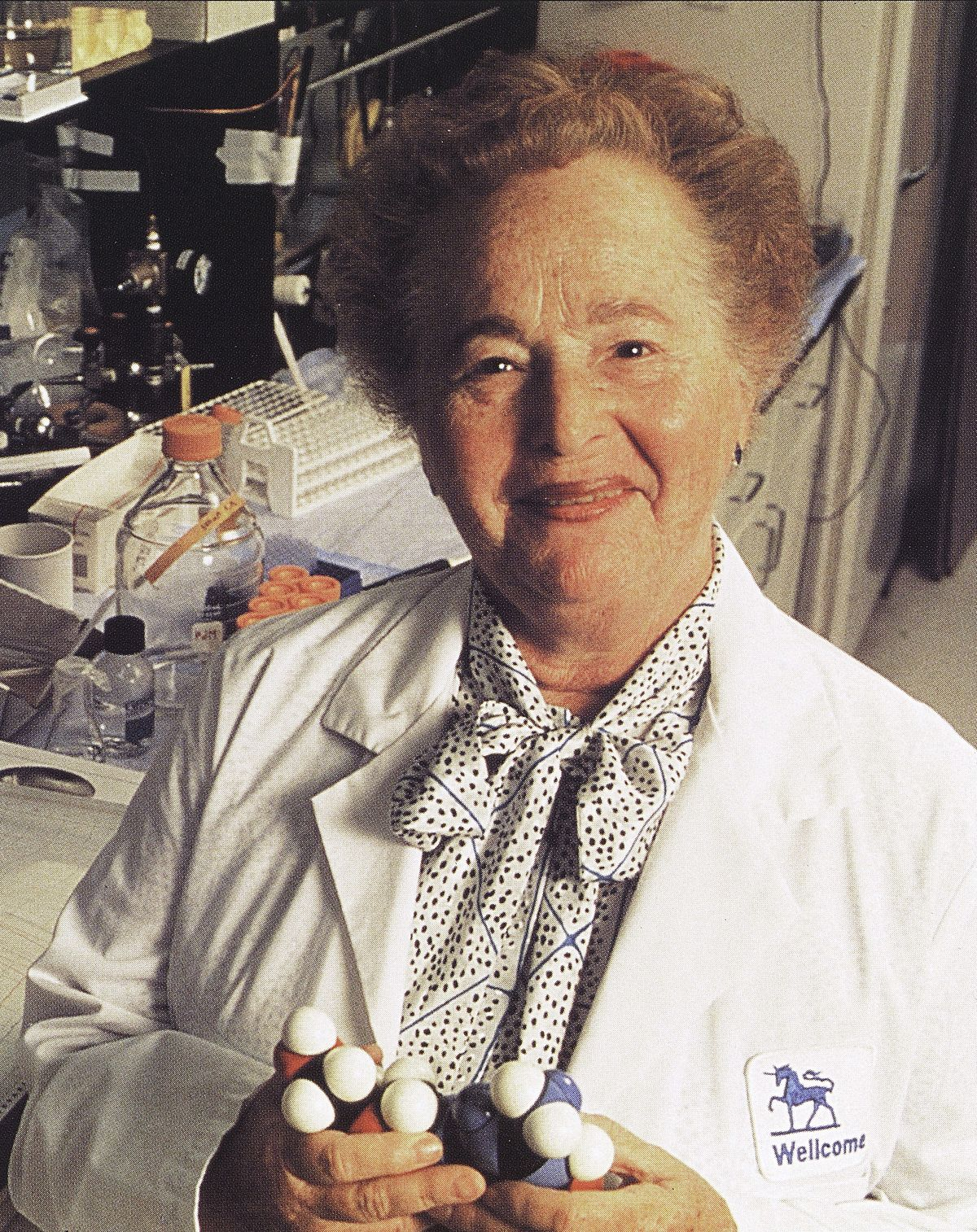gertrude b elion For every nobel prize there is a story gertrude b elion has made enormous contributions to the medical and pharmaceutical world, but in order to understand her.