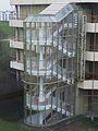 Gläsernes Treppenhaus Kopfklinik Heidelberg.JPG