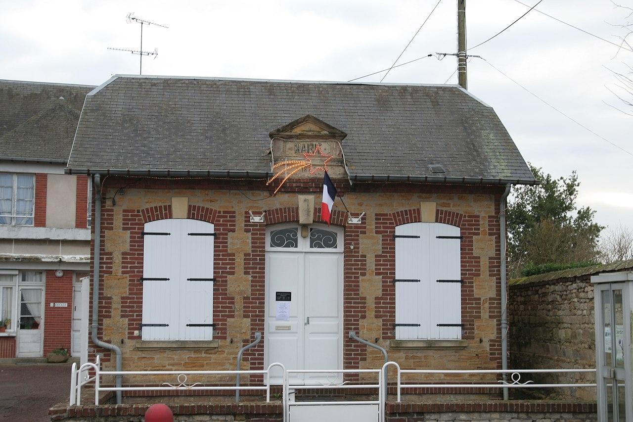 Goustranville - Mairie.JPG