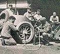 Grand Prix de l'ACF 1906, la Brasier 105 HP de Jules Barillier dans les stands.jpg