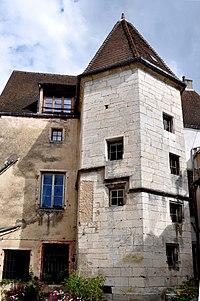 Gray - Hôtel de Conflans 02.jpg