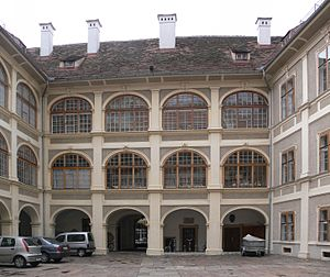 Universalmuseum Joanneum - Inner courtyard of the Lesliehof.