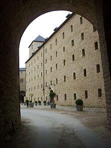 Château de Sedan 220px-H%C3%B4tel_du_Ch%C3%A2teau-fort_de_Sedan