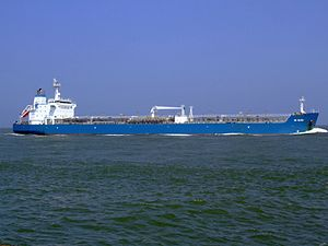 HC Elida p2 approaching Port of Rotterdam, Holland 03-Jun-2007.jpg