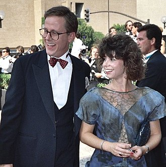 Harry Anderson - Anderson with his first wife, Leslie Pollack, at the 39th Primetime Emmy Awards, September 1987