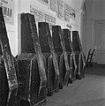 Het inpakken van de instrumenten voor het concertgebouworkest, Bestanddeelnr 901-4269.jpg