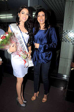 Miss Asia Pacific World - Himangini Singh Yadu (left, with Sushmita Sen) returns after winning Miss Asia Pacific World 2012