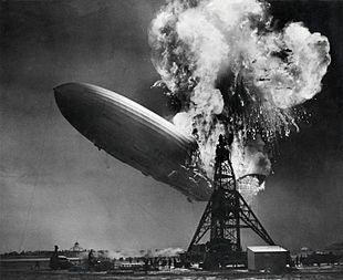 https://upload.wikimedia.org/wikipedia/commons/thumb/1/1c/Hindenburg_disaster.jpg/310px-Hindenburg_disaster.jpg