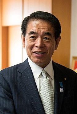 Hirofumi Shimomura cropped 2 Hirofumi Shimomura and Ernest Moniz 20131031.jpg