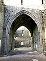 Hore Abbey, Caiseal, Éire - 46585761871.jpg