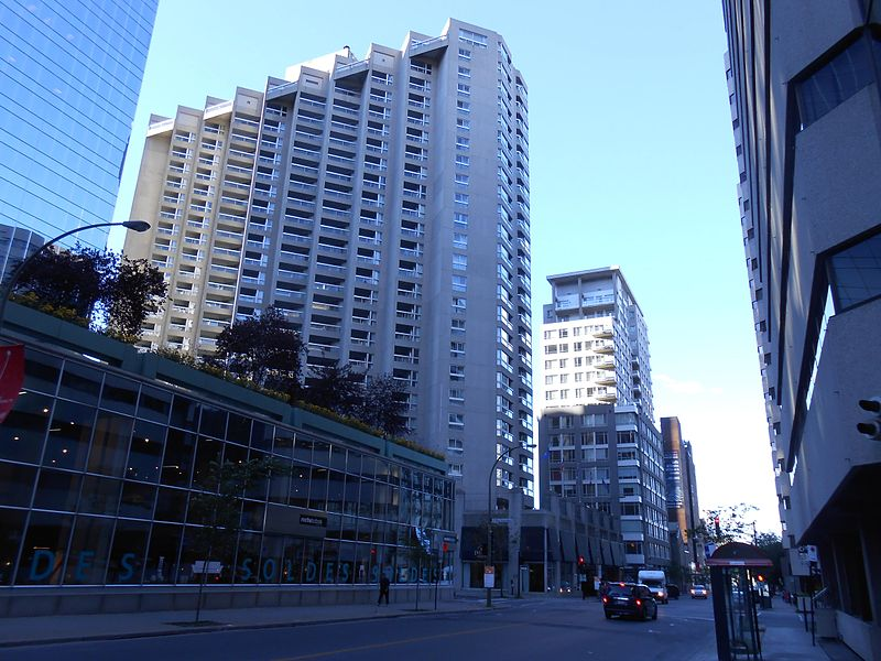 Hotel Delta Montreal Parking