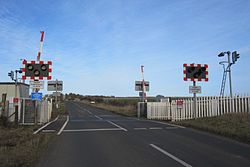 Hoy level crossing (13175422305).jpg