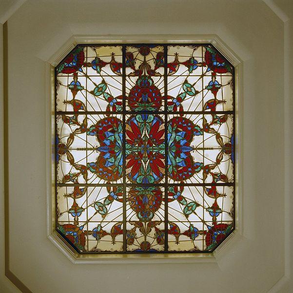 file interieur badkamer art deco plafond raam den. Black Bedroom Furniture Sets. Home Design Ideas